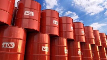 Υποχώρησε η τιμή του πετρελαίου από το υψηλό 4 μηνών